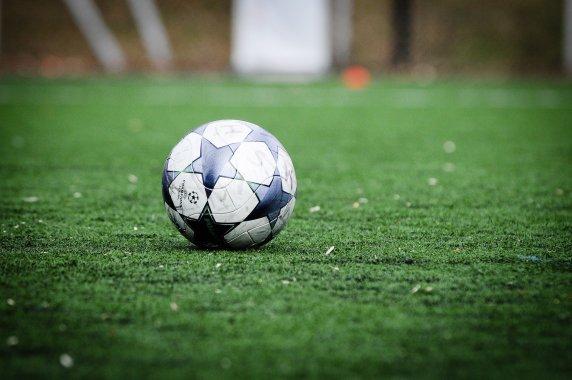 Punaisen kortin tuolla puolen – jalkapallosta ja rasismista
