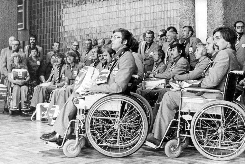 Toronton paralympialaisten 1976 kisajoukkue. Kuva: Vau ry:n arkisto.