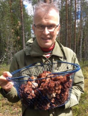 LKT, ergonomian ja fysiatrian dosentti Esa-Pekka Takala, Työterveyslaitos.
